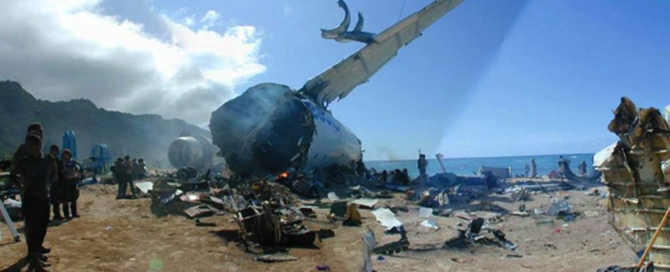 lost-oceanic-airlines-avion-crash-plage